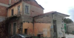 Οικόπεδο με παλαιά κτίσματα 130 τ.μ